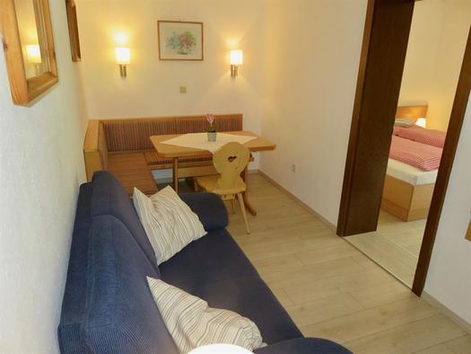 Wohnzimmer mit Sitzecke & Couch (© Berghof Sturmgut)