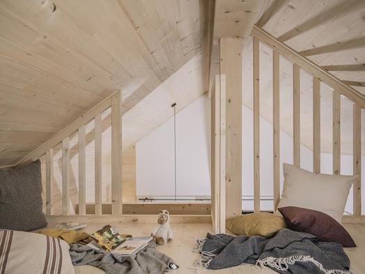 Schlafboden für maximal 2 Kinder (© Ramenai Das Böhmerwaldlerdorf)