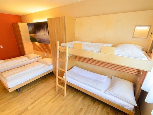 betten-familienzimmer-jufa-hotel-almtal-large-fens
