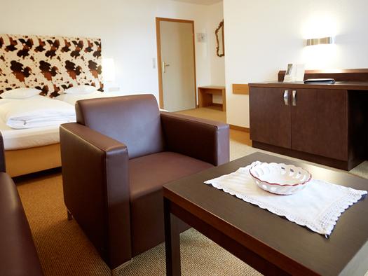 Beispielbild Doppelzimmer Hotel Föttinger in Steinbach am Attersee. (© Hotel Föttinger)