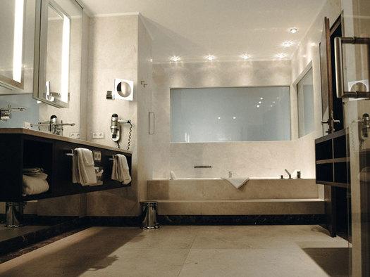 barthroom. (© Iris Porsche Hotel)