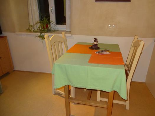 gemütlicher Esstisch für Zwei (© privat)