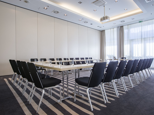 meetingraum-1_u-tafel_1 (© ©Carlson Rezidor)