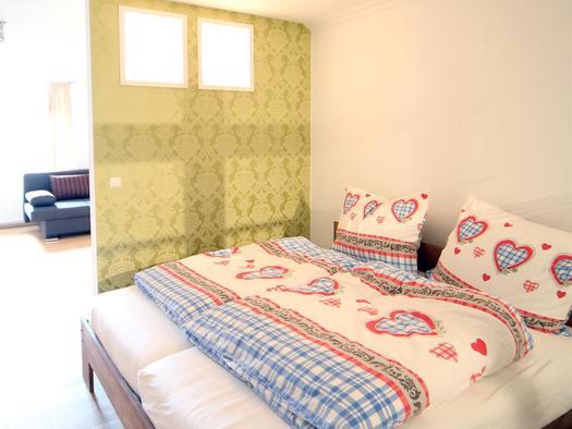 Schlafnische mit Doppelbett (© Gala Apartments)
