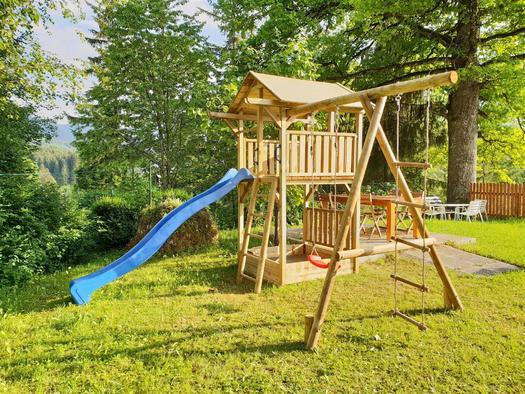 Hauseigener Spielplatz (© Ferienhaus Mountain View)
