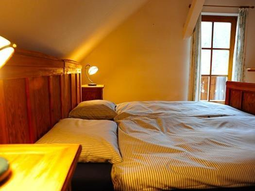 Schlafzimmer 1 (© Landhaus Haselmoar)