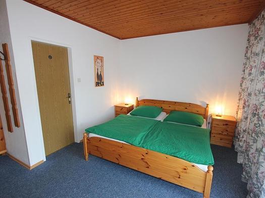 Dreibettzimmer (© Sabine Leitner-Bachler)