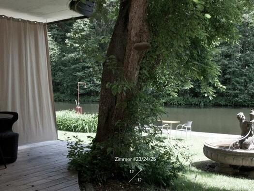 Terrasse am Fluss (© Hotel-Restaurant Mühltalhof)