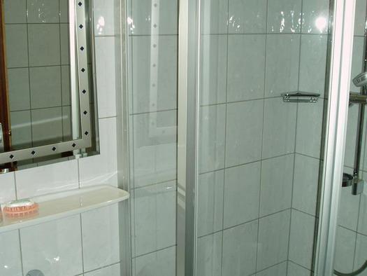Dusche 15