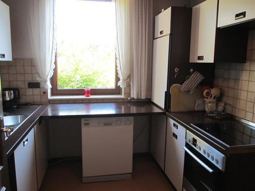 Küche mit Blick auf Hallermauern