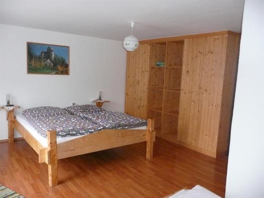 Schlafzimmer mit Doppelbett (© Privat)