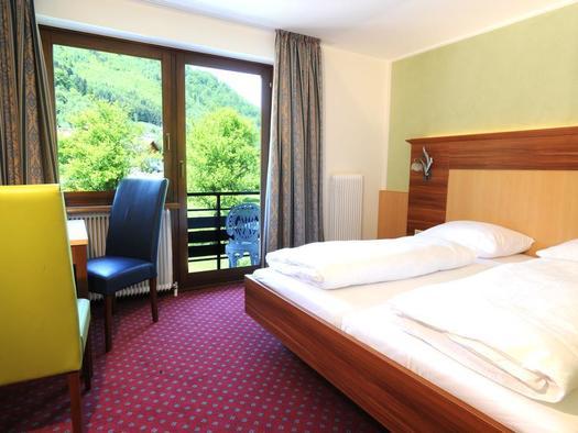 Dreibettzimmer mit Balkon (© Hotel Hocheck)