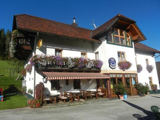 Gasthof-Pension Moosgierler im Sommer (© Moosgierler)