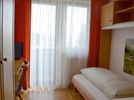 Zimmer 1 mit Balkon