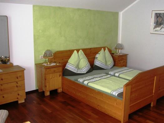 Bad Goisern - Primusnbergerhof, Schlafzimmer Haus Armin.JPG
