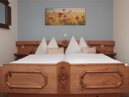 double bed. (© Moosinger)