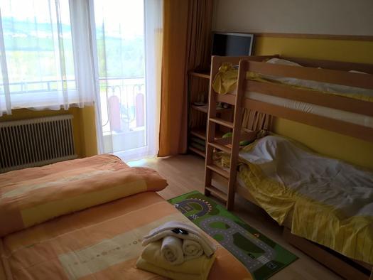 Familien Zimmer 202, Gasthaus Pension Sonnenhof 2 (© Dietmar und Heike Krauk)