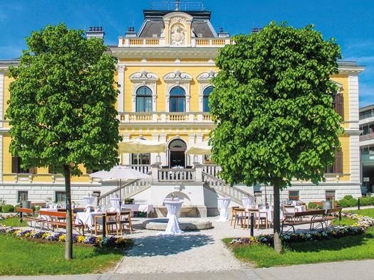 Freigelände der Villa Seilern (© Villa Seilern Betriebs GmbH, www.villaseilern.at)