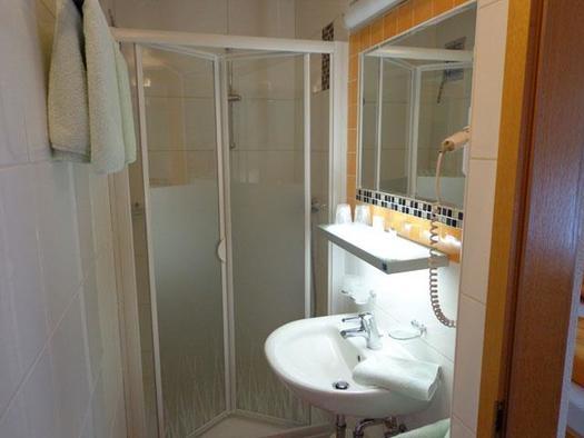 Doppelzimmer 2 Bad (© Privatzimmer Haus Schuller)