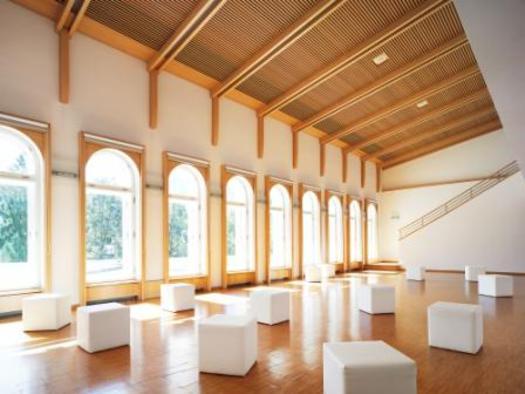 Ruhig gelegen im Obergeschoß. (© Kongress & TheaterHaus)