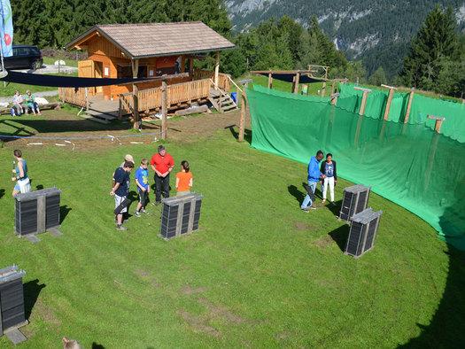 3D-Bogenschießen, einfach Spaß haben und Neues ausprobieren ist hier das Motto!Erlebnisstationen wie Blasrohrschießen, Tomahawkwerfen, Bogenschießen, flüchtende Wildsau, Steinschleudern 3D - Bogenparcours & Compound Bogenschießen. (© pyhrnPriel-erlebnisagentur GmbH)