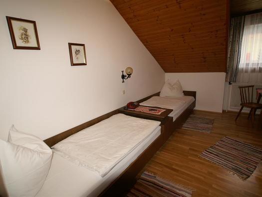 Zimmer(Zweibettzimmer) (1)