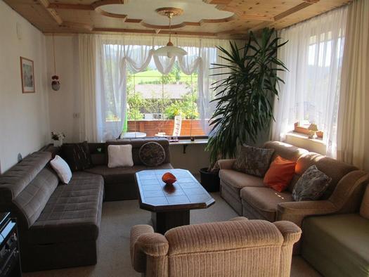 Wohnzimmer mit Panoramblick