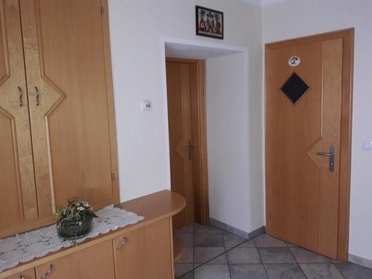 Eingang zur ebenerdigen Wohnung (© Ferienwohnung Sladek | Privat)