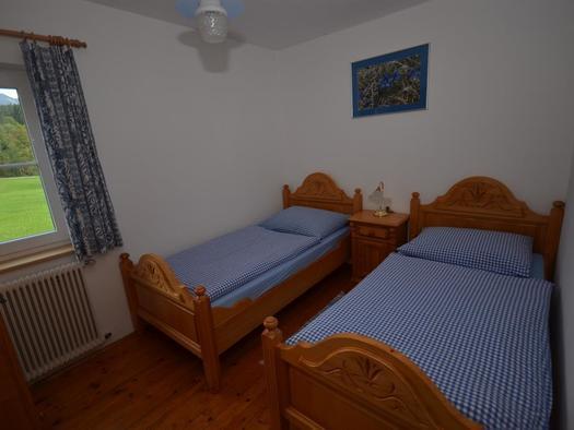 2 Bett Zimmer EG (© Binder)