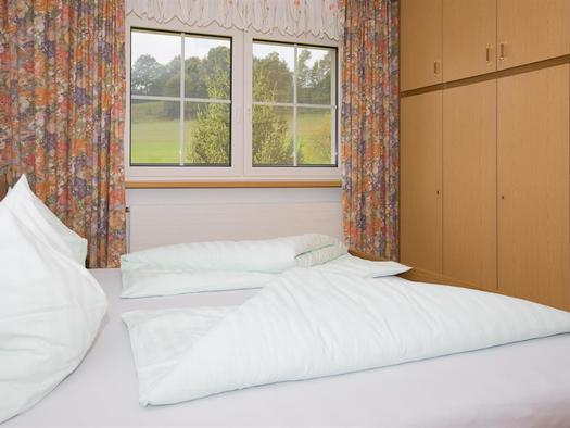 Schlafzimmer1 (© Hermann Hanetseder)
