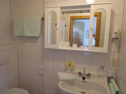 Doppelzimmer 1 Bad (© Privatzimmer Haus Schuller)