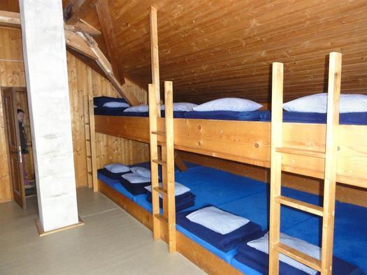 die Schlafmöglichkeiten in der Hütte (© Alpenverein Sektion Ried)