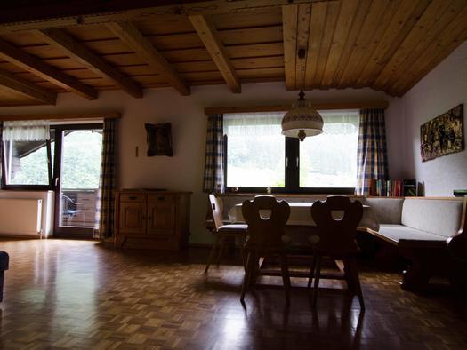 Wohnzimmer Wohnung 3 (© monika pramreiter)