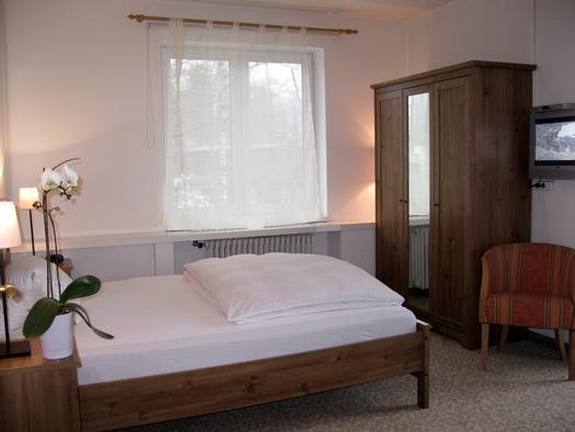 Einzelzimmer mit/ohne Balkon