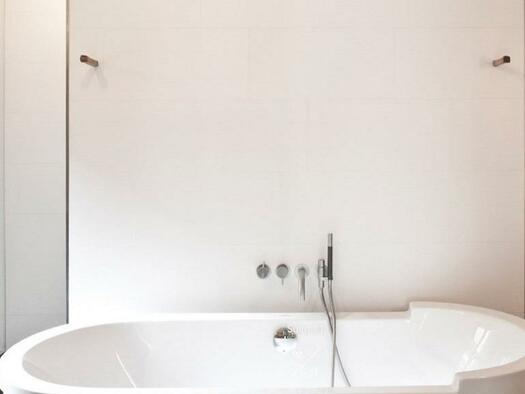 Frei stehende Badewanne (© Hotel-Restaurant Mühltalhof)