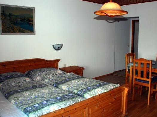 Familienzimmer 12