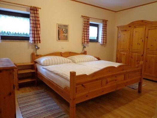 Schlafzimmer (© Ferienwohnung Mitteregger)