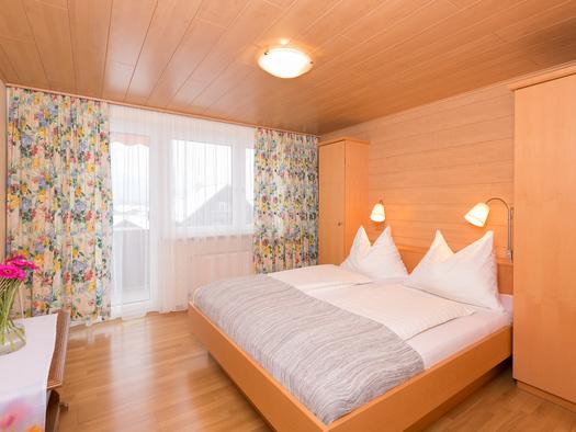 FEWO Bleckwand Schlafzimmer. (© Roland Dobetsberger)
