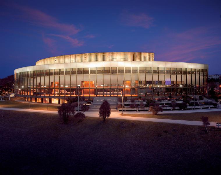 BrucknerhausNachtk©kwfoto.a.jpg