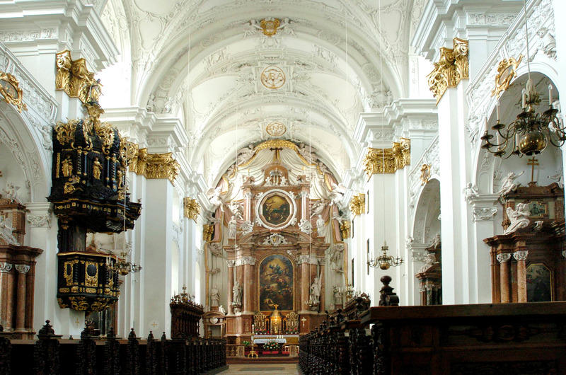 Alter Dom