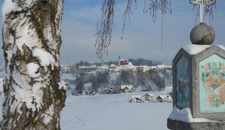 Bad Kreuzen im Schnee. (© Schiller Margarete)