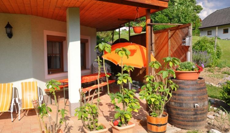 Haus Schober: Die gemütliche Terrasse lädt zum Verweilen ein