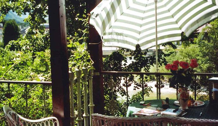 Garten mit Sitzecke. (© Haus Hlozanek)