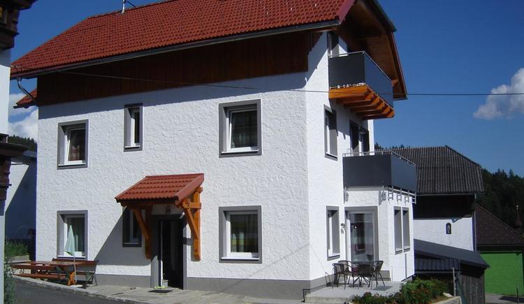 das Ferienhaus bietet 4 Famlien Platz
