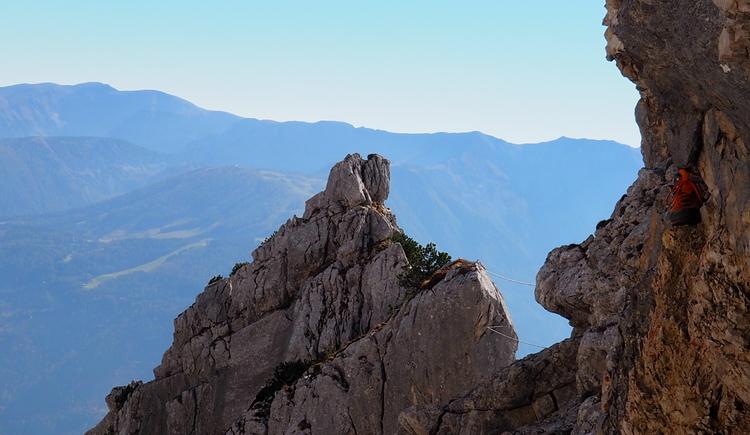 Gr. Priel Klettersteig Holger Friedl Manuela 10.10.2018 11-30-20 (© TVB Pyhrn-Priel/Kniewasser)