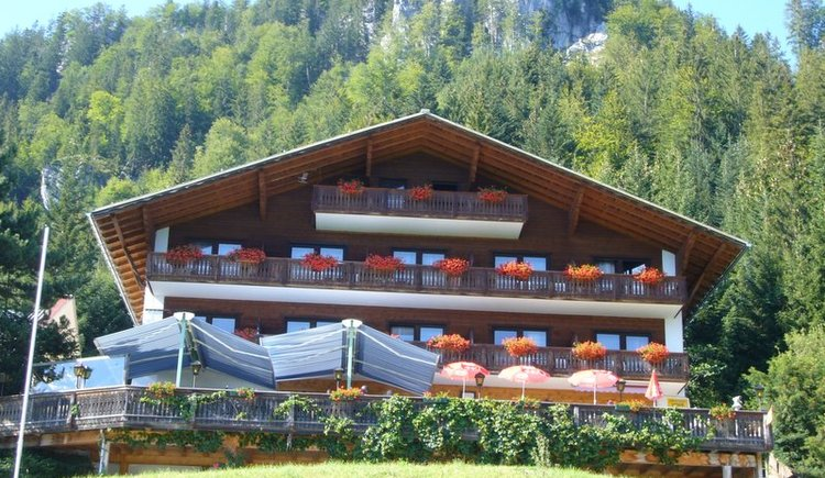 At the end of the scenic road is the Berghotel Predigstuhl.\nEnjoy traditional home cooking on the sunny panoramic terrace.