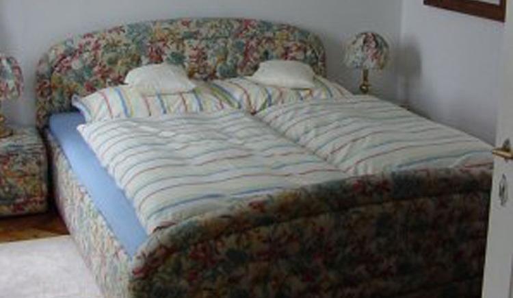 Schlafzimmer. (© Haus Hlozanek)