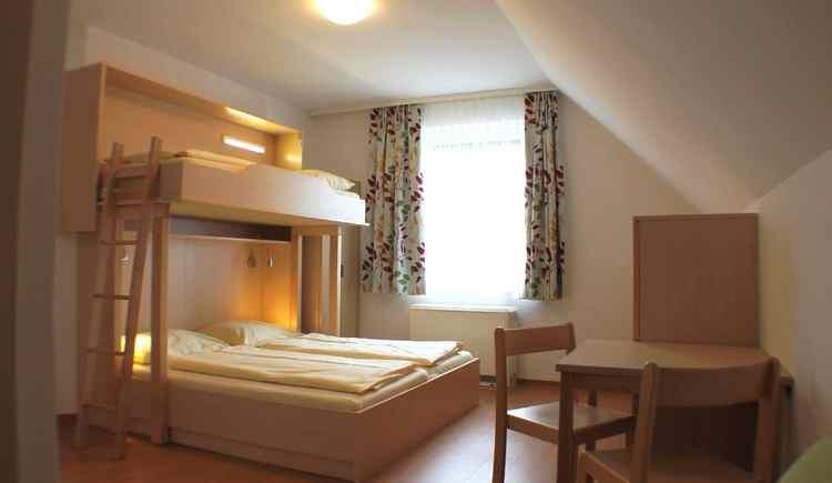 Dreibettzimmer Jugendgästehaus St. Gilgen