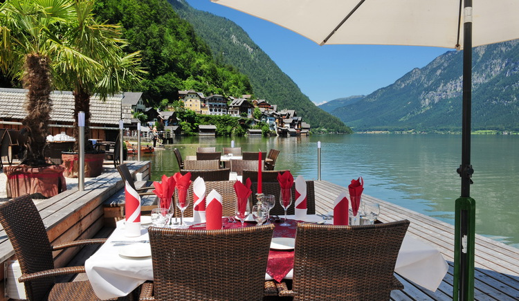 The Seehotel Grüner Baum is located directly at Lake Hallstatt.