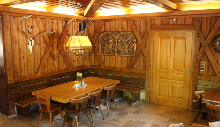 Traditionelles Stüberl im Gasthof